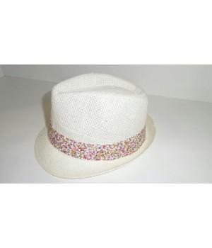 Шляпа Федора кремового цвета
